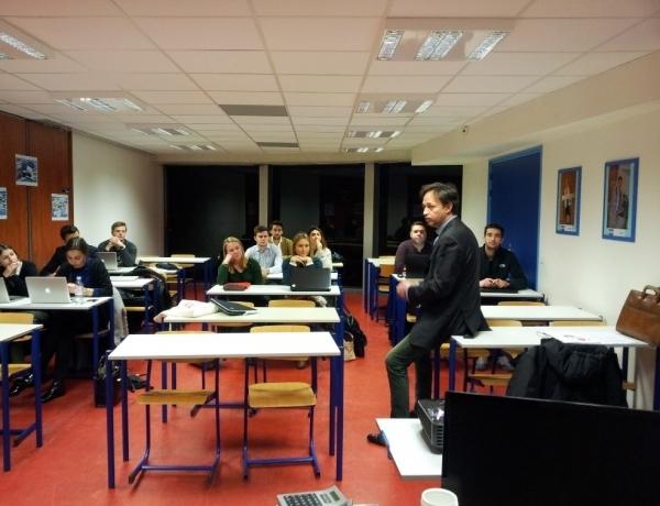 Des comédiens sur le campus de Nantes !